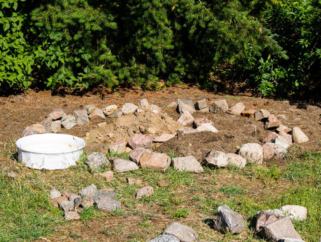 Garten DIY - Anleitung - Kräuterspirale bauen